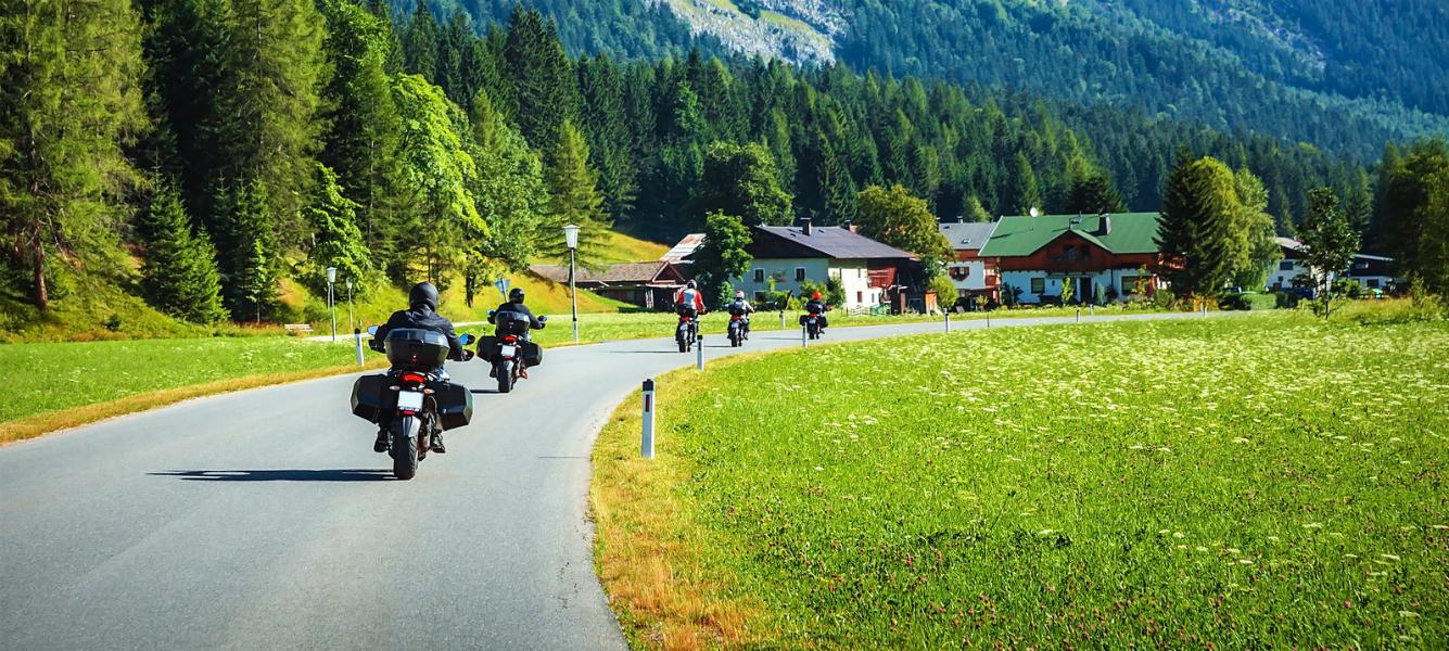 Motociclisti in montagna