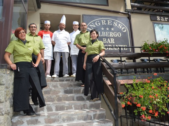 Chef e staff dell'Albergo Sella